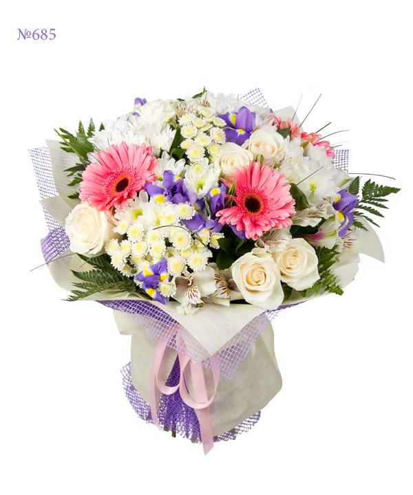 Какие подарить цветы маме девушки
