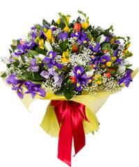 """Букет из цветов """"Цветочный калейдоскоп"""" с доставкой по Калининграду 45 - 35 см."""