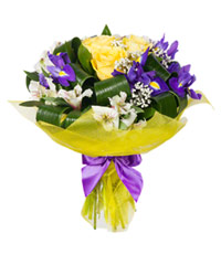 "Bouquet from цветов ""Trio"" with delivery in Novosibirsk 30 - 35 см."