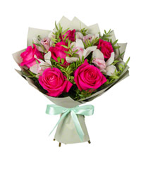 "Bouquet from цветов ""Rose Kiss"" with delivery in Novosibirsk 35 - 40 см."